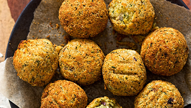 April_baked falafel - thumbnail.jpg