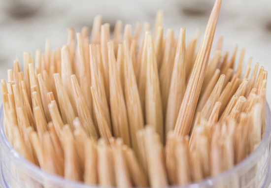 5_BBQ_Tips-Toothpicks-550x382.jpg