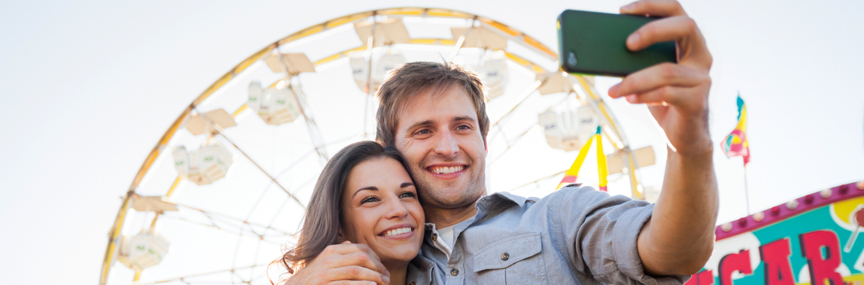 Oral_Health_at_Fair-CoupleSelfie-1242x411_Rev.jpg