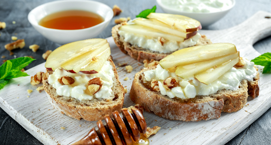 12267-7-WinterSnacks-Crostini-560x300.jpg